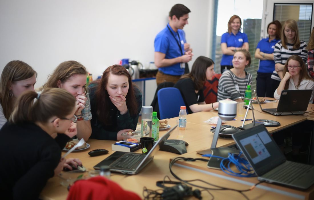 Encouraging women into engineering by hosting Girls' Day